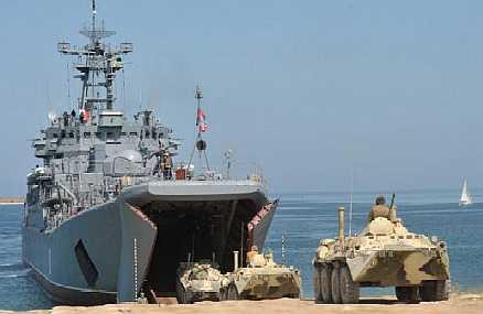 """El buque de desembarco ruso """"Cesar Kunikov"""" operará como buque insignia en los ejercicios de la Fuerza Naval de Operaciones del Mar Negro."""